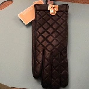 Michael Kors quilted leather gloves size large